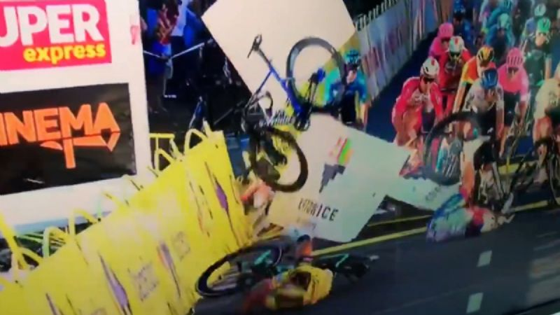 VIDEO: Ciclista queda en coma tras BRUTAL accidente