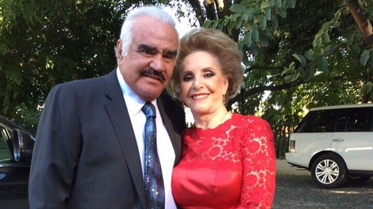 Doña Cuquita REAPARECE tras su operación para visitar a Vicente Fernández, ¿cómo sigue Chente?